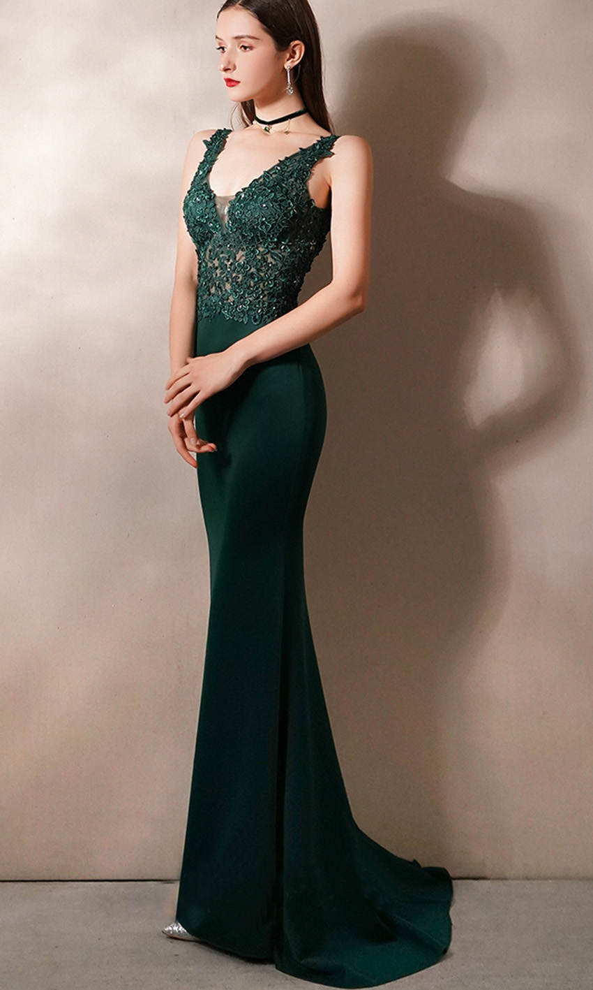 Green V-neck Applique Fitted Prom Dresses With Train KSP577