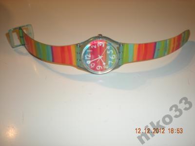Tęczowy zegarek swatch