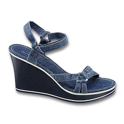 Buty na koturnie jeansowe  - DEICHMANN