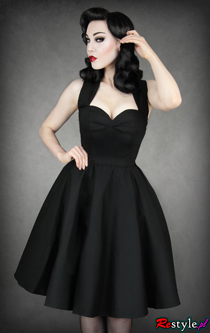 Pin-upowa czarna sukienka