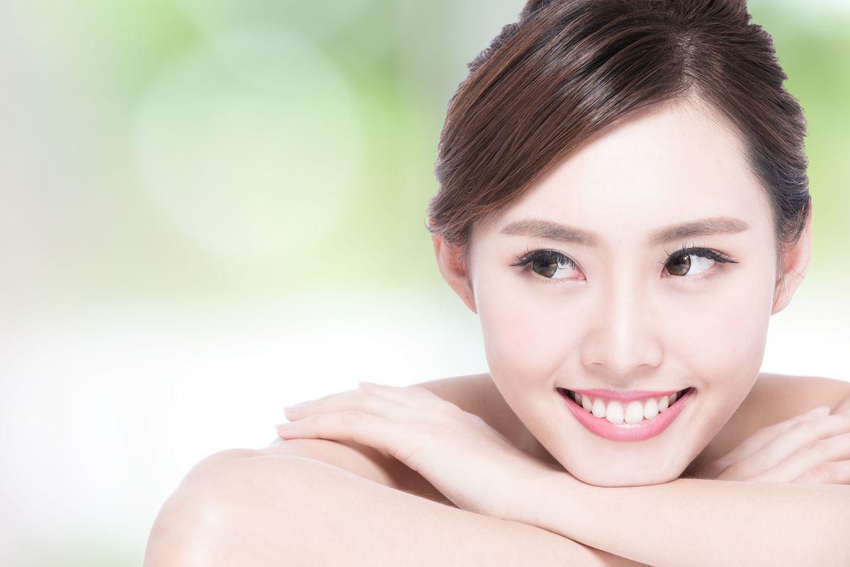 Jak usunąć przebarwienia na twarzy