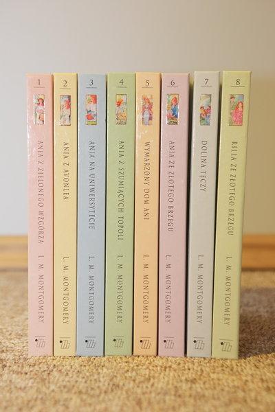 8 tomów książek z serii Ania z Zielonego Wzgórza