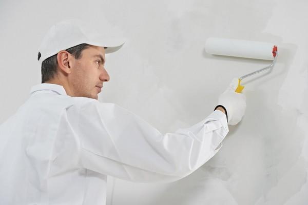 Czy gruntować ściany przed malowaniem?
