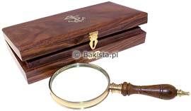 Lupa w drewnianym pudełku