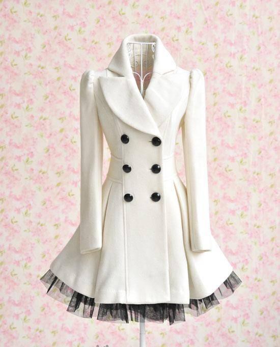 Płaszcz z koronką