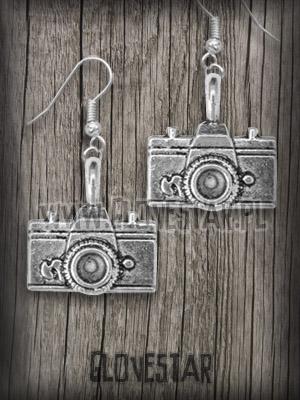 kolczyki aparaty fotograficzne
