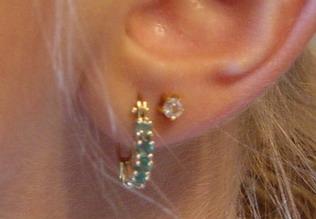 Trzecia dziurka w uchu