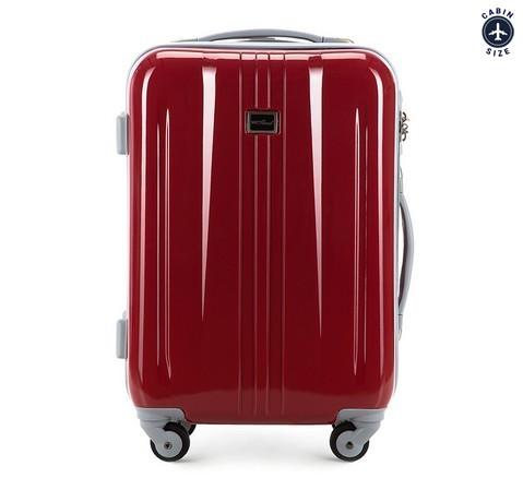 Czerwona walizka podróżna 19