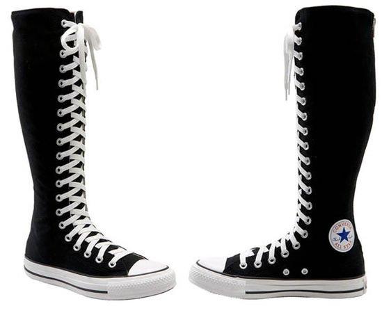 Trampki Converse pod kolano