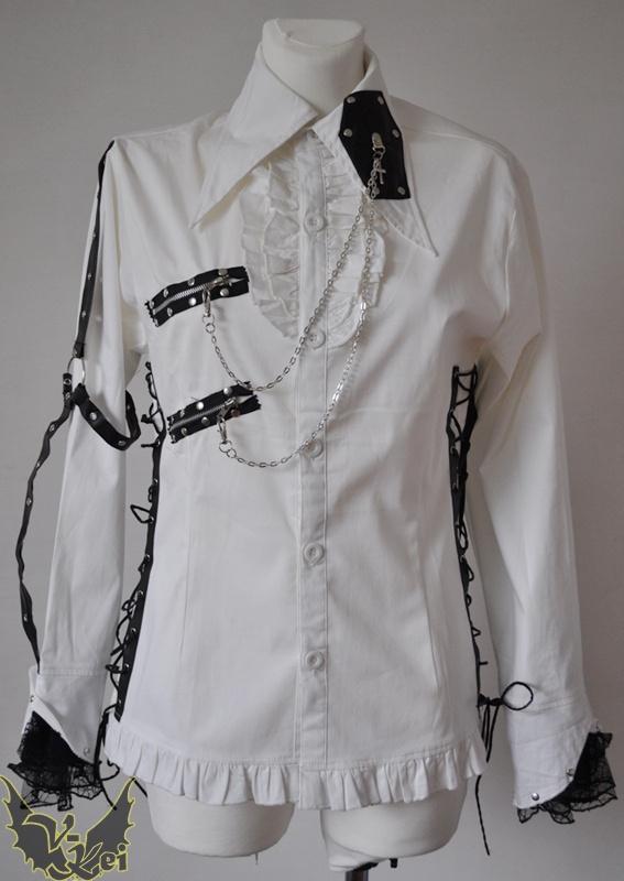 Biała koszula z czarnymi dodatkami