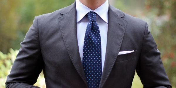 Jak dopasować krawat do marynarki