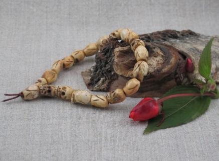 MALA buddyjska MAŁA - CZASZKI z kości YAKA