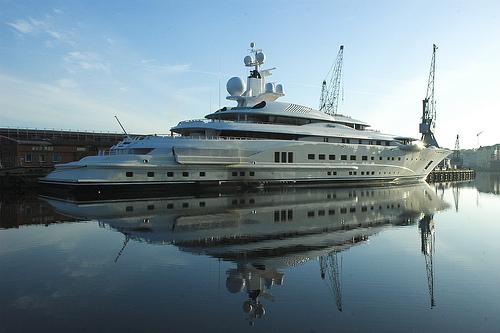 mega jacht
