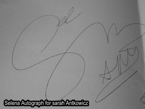 Autograf Seleny Gomez