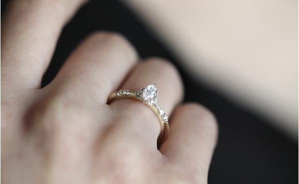 pierścionek Iris