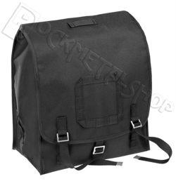 Czarny plecak typu kostka
