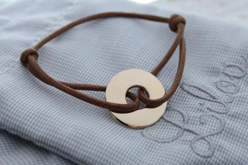 Bransoletka LILOU - krążek pozłacany 2cm na sznurku brązowym lub cappuccino
