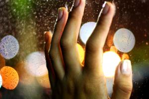 Skuteczne i bezpieczne sposoby na usuwanie skórek na paznokciach | Blog kosmetyczny e-pomadka.pl