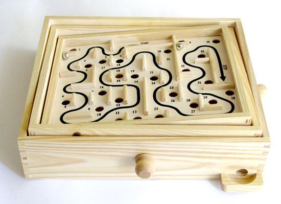 drewniany labirynt