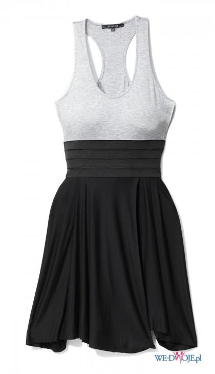Sukienka < 3