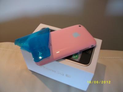 IPHONE 3GS  RÓŻOWY! JAK NOWY  ! ! ! LUSTERKO ! ! !