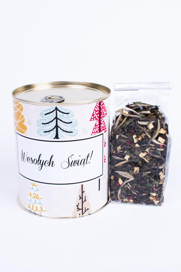 Świąteczna puszka z zimową herbatą na prezent