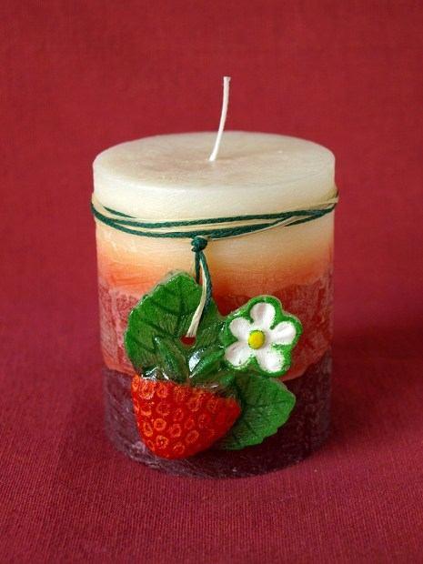 Świeczka truskawkowa ;-*
