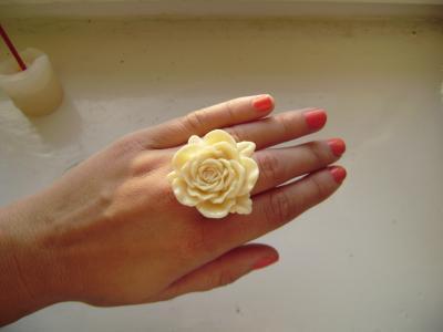 Pierścionek róża