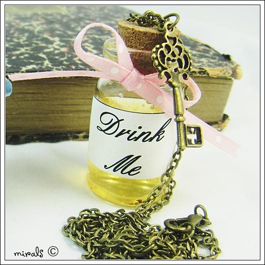 Nszyjnik Drink Me