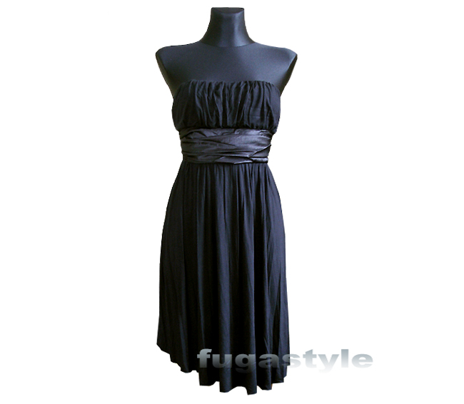 Czarna sukienka z 'szarfą'