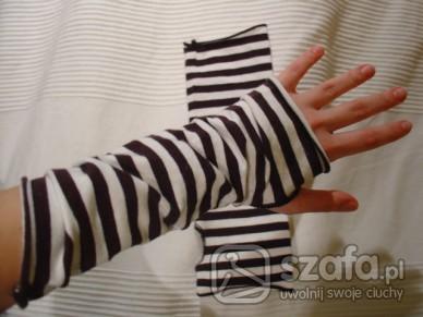 Rękawiczki bez palców takie dłuższe :)
