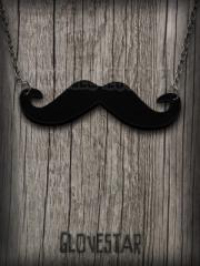 wisiorek wąsy