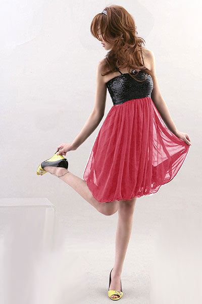 Rozowa sukienka z cekinami
