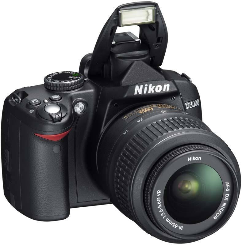 Lustrzanka Nikon D3000 z ob. Nikkor DX 18-55 mm VR