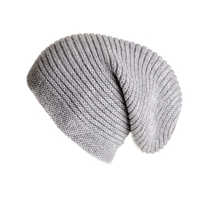 szara czapka