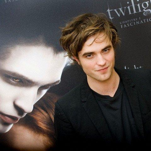 Być dziewczyną Roberta Pattinsona