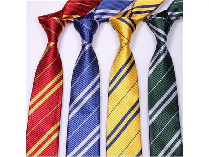 Krawat Ravenclaw, Gryffindor, Hufflepuff lub Slytherin