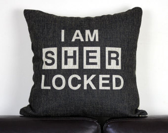 Poduszka ''I AM SHER LOCKED''