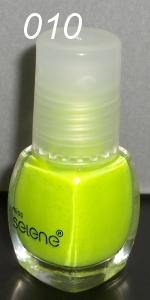Limonkowy lakier do paznokci