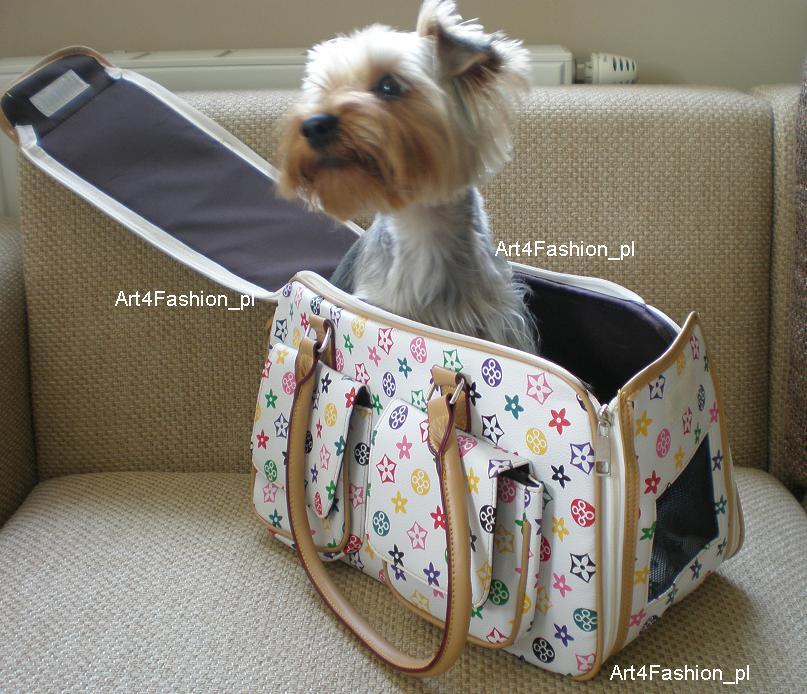 Torba transportowa dla małego psa.