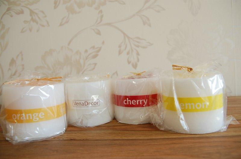 Zapachowe świeczki w kubkach