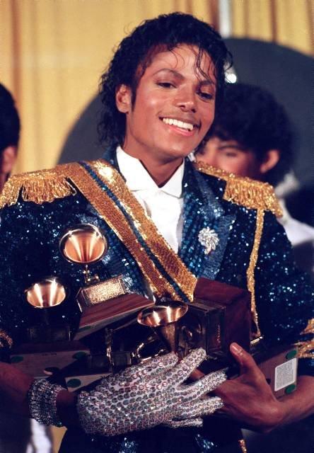 Biała rękawiczka al'a Michael Jackson