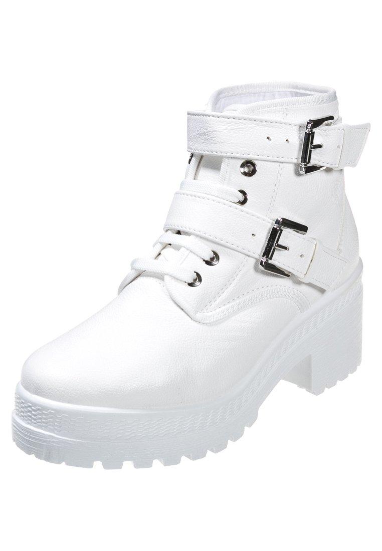 Białe botki z TopShop